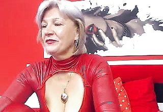 Buxom Grannie Linda 50 Years Webcam Solo