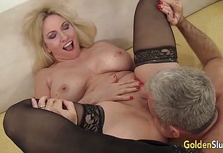 Mature Super bitch Deep throats a Chisel and takes it in Her Gash