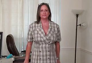 Yankee cougar mary Wana unclothes off And plays at the office