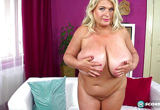Mature plus size strokes And Plays with her Monster Natural Fun bags