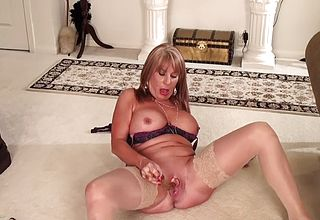 What Does a Mature Mega fuckslut Do When She039;s home Alone