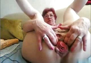Old April Dildoing On Home Webcam