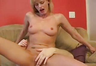 Hot mature wife (DH)