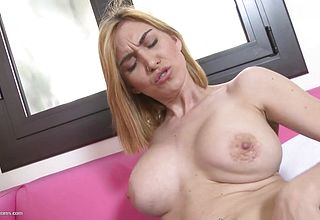 First timer Huge titted mother Feeding Her Pussy With Big Fucktoy