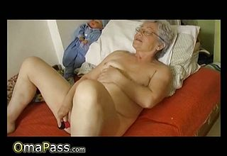 Omapass first timer Granny hairy Fuckbox getting off