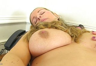 Posh large breasted All natural Mature Mommy with a Steamy bod
