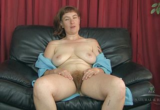 Glamorous cougar with a Hairy Cunt teasing like a Pro